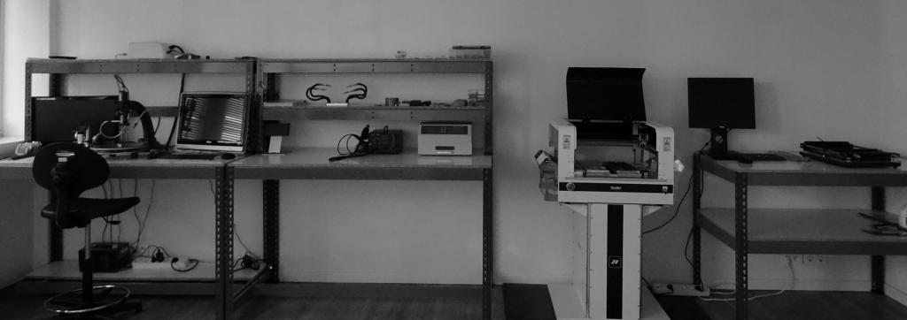 Atelier d'assemblage de cartes électroniques